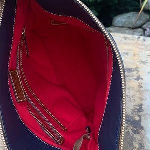 Dooney & Bourke Bags - 💙Beautiful Navy Dooney&Bourke Leather Crossbody